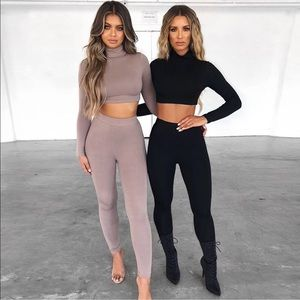 Two piece legging and crop top in spandex